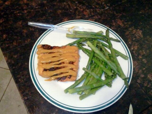 Figure Competition Diet- Dinner: Salmon and asparagus